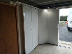 Menuiseries-bsdf.fr-Pleudaniel/Porte de garage/sectionnelle latérale/Maestro évolution/France Fermetures/22610 PLEUBIAN